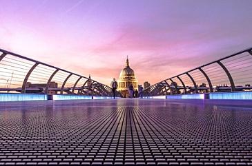 Pitchbook: Лондон стал лидером инвестиций в ИИ лишь по одной причине